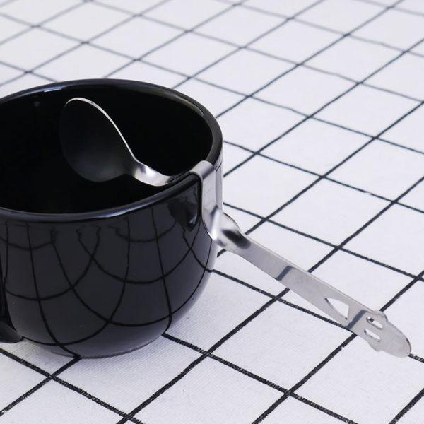 Cuillère à café souriante futée 03