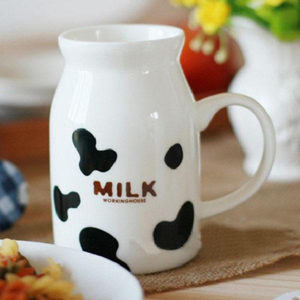 Pichet de lait Taches de vache 05