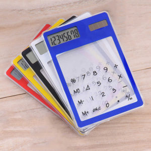 Calculatrices solaires colorées transparentes 01