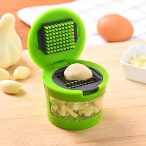 Manual multifunction garlic chopping box   Green